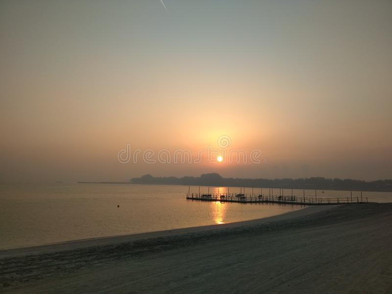 Dubai-Morgenpalme jumeirah lizenzfreies stockbild