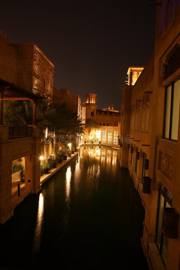 Dubai-Nacht lizenzfreie stockbilder