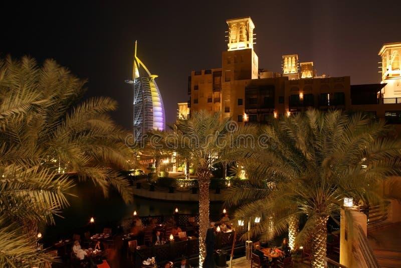 Dubai-Nacht lizenzfreies stockfoto
