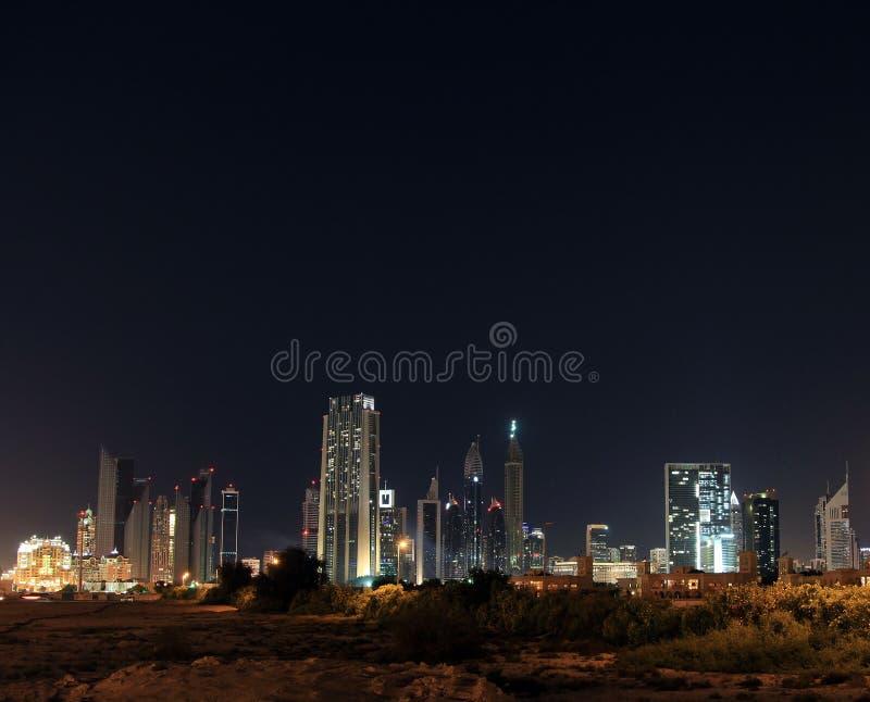 dubai noc linia horyzontu Dubaj centrum finansowe, UAE zdjęcie stock