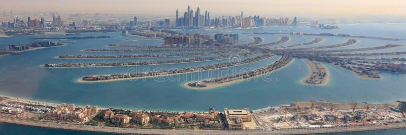 Dubai o panorâmico aéreo do porto do panorama da ilha de Jumeirah da palma fotografia de stock