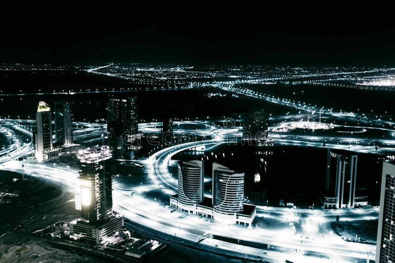 Dubai-Panorama nachts lizenzfreie stockfotografie