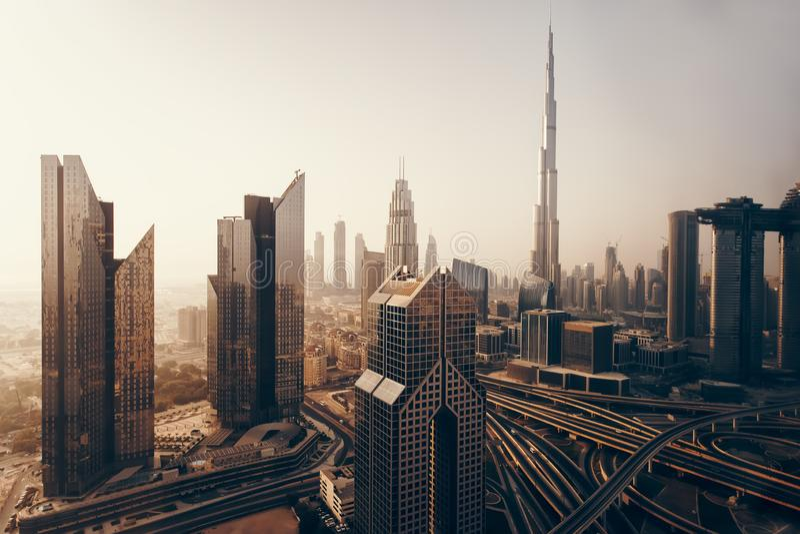 Dubai-Skyline, im Stadtzentrum gelegenes Stadtzentrum stockfotos
