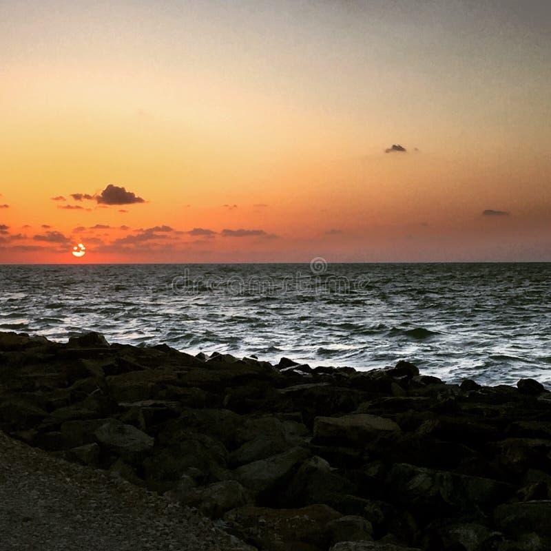 dubai solnedgång royaltyfria bilder