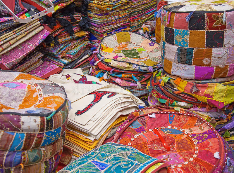 Dubai-Textilmarkt lizenzfreie stockbilder