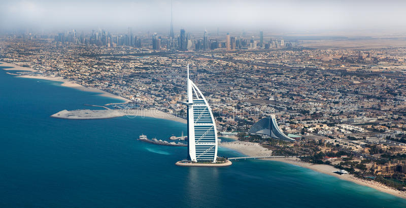 Dubai, UAE. Burj Al Arab von oben stockbilder