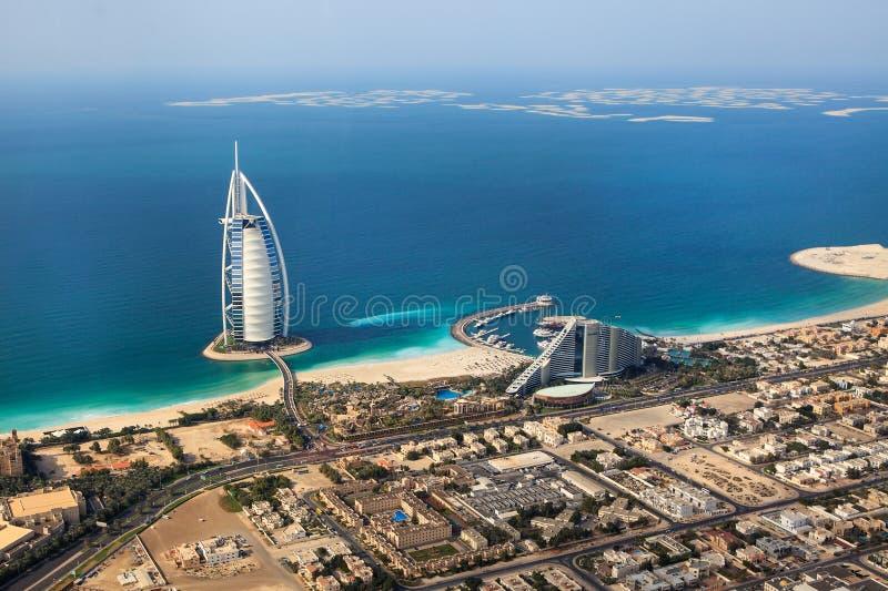 Dubai, UAE. Burj Al Arab von oben lizenzfreie stockfotos