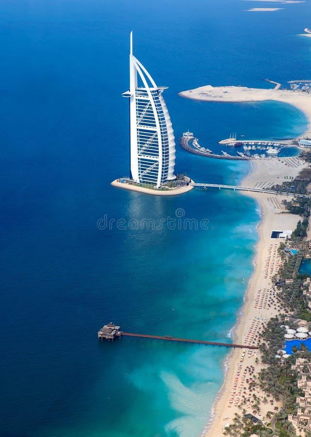 Dubai, UAE. Burj Al Arab von oben stockbild