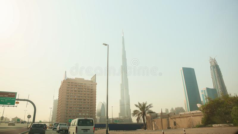 Dubai, UAE - 20 de agosto de 2014: Panorama dos arranha-céus de Dubai no centro da cidade foto de stock
