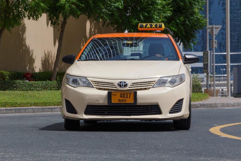 DUBAI, UAE - 11 DE MAIO DE 2016: táxi foto de stock