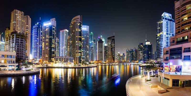 Dubai, Vereinigte Arabische Emirate - 6. Juni 2018: Panorama von Dubai MA lizenzfreies stockbild