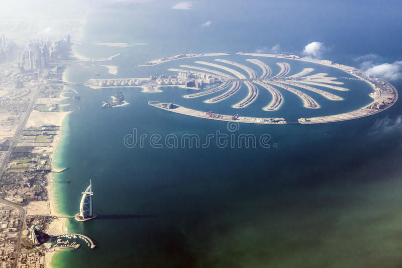 Dubaj, Burj al arab – i palma zdjęcia royalty free