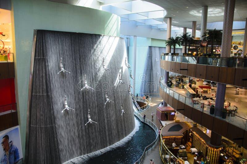 Dubaj centrum handlowego siklawa obrazy royalty free