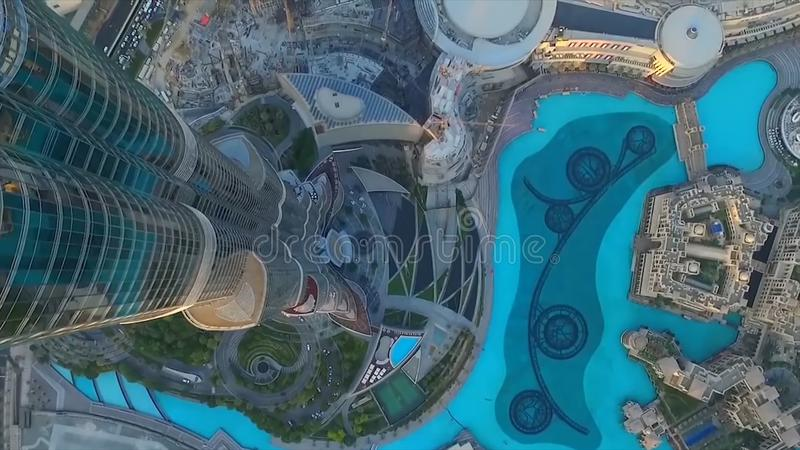 Dubaj fontanna jak widzieć od Burj Khalifa, Dubaj Zjednoczone Emiraty Arabskie zapas Odgórny widok Dubai śródmieście i Dubai fotografia stock