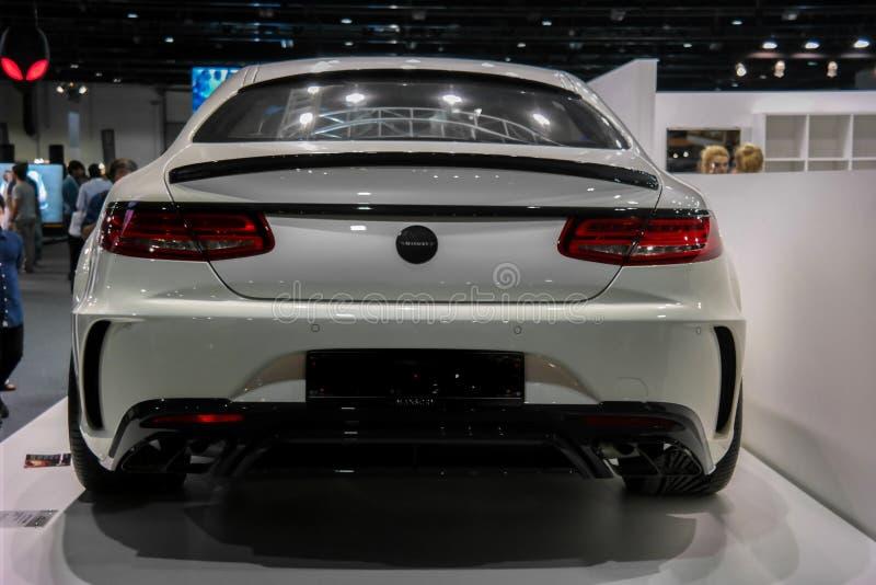 Dubaj Jedzie, Mercedez Benz kąt wystawia ich epickiego nowego samochodu _S klasy AMG coupe Mansory obraz stock