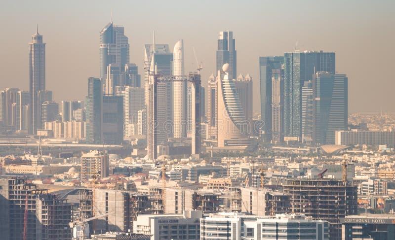 DUBAJ, LISTOPAD - 23, 2015: Widok z lotu ptaka W centrum Dubaj Ci obrazy stock
