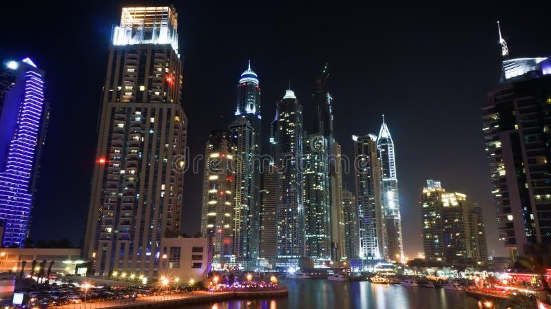 Dubaj marina przy nocą zdjęcie stock