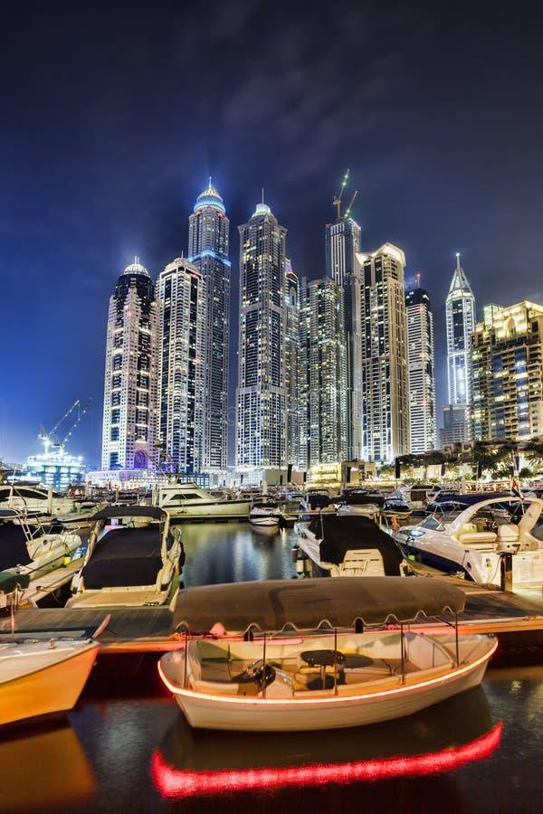 Dubaj Marina z drapaczami chmur w wieczór, Dubaj, Zjednoczone Emiraty Arabskie obrazy royalty free