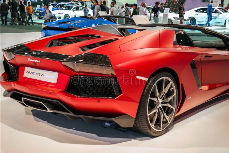 Dubaj Motorowy przedstawienie, Lamborghini kąt wystawia ich epickich Aventador samochody fotografia royalty free