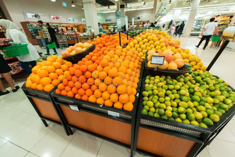 Dubaj supermarket Waitrose na Sierpień 8 i obrazy royalty free