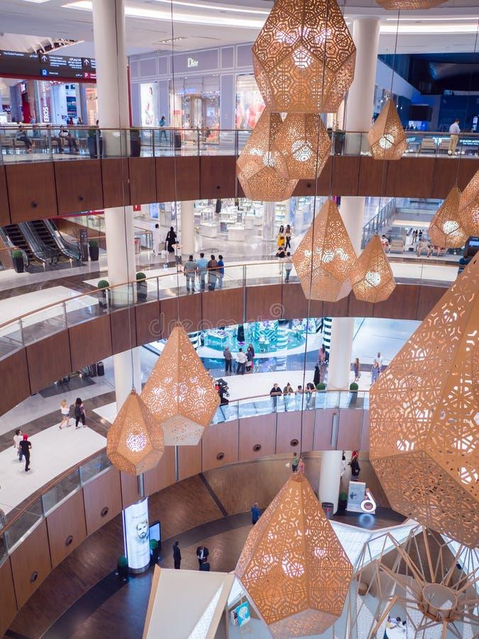 Dubaj, UAE - Maj 15, 2018: Dubaj centrum handlowe jest jeden wielcy centra handlowe w świacie zdjęcia stock