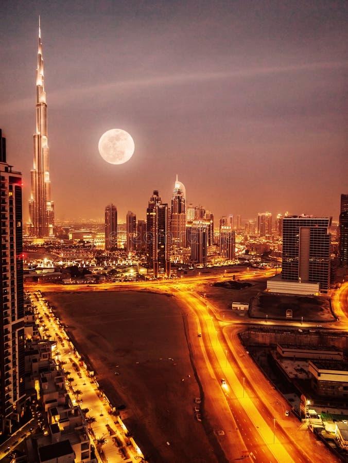 Dubaj w blasku księżyca