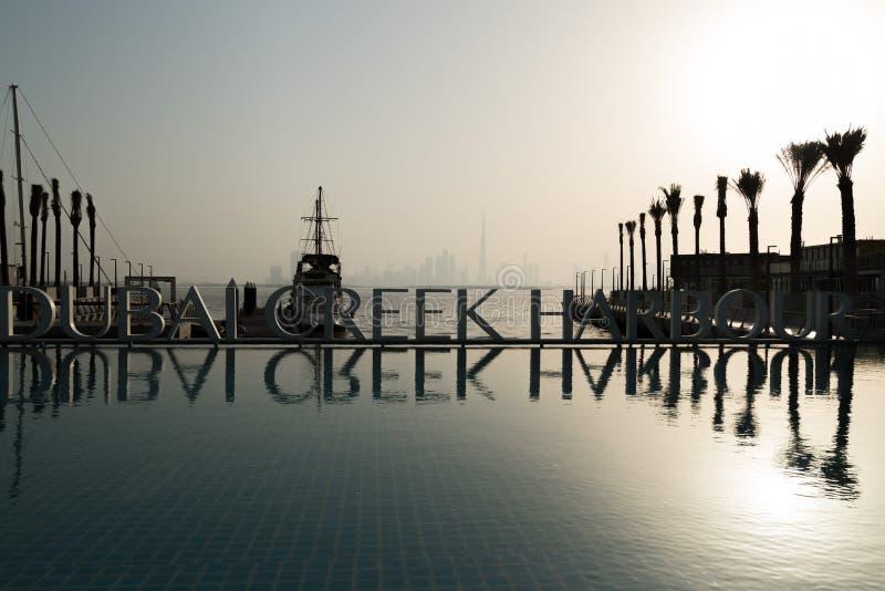 Dubaj, Zjednoczone Emiraty Arabskie, Czerwiec 01, Dubaj zatoczki schronienie, –, 2018, lokalizować w Dubaj kanału wody przodzie B obraz stock