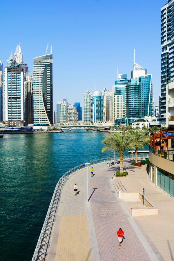 Dubaj Zjednoczone Emiraty Arabskie, Marzec, - 8, 2018: Dubaj marina panora zdjęcia stock