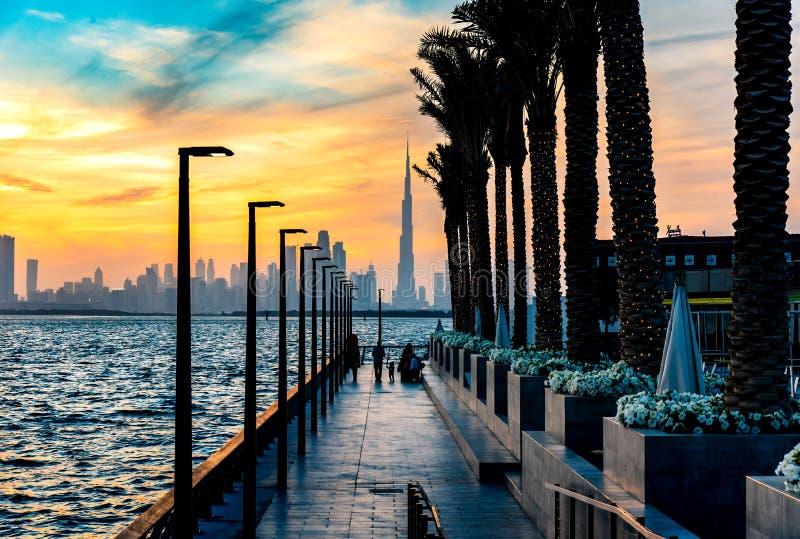 Dubaj Zjednoczone Emiraty Arabskie, Styczeń, - 10, 2019: Dubaj zatoczki schronienia punktu zwrotnego linia horyzontu widok przy z zdjęcia royalty free