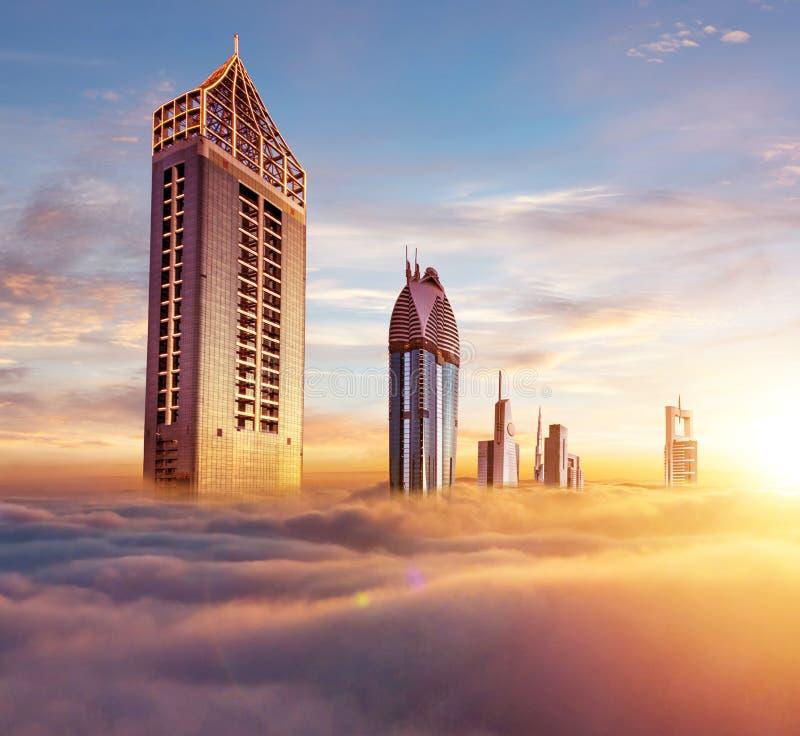 Dubaj zmierzchu widok zakrywający z chmurami śródmieście obraz royalty free
