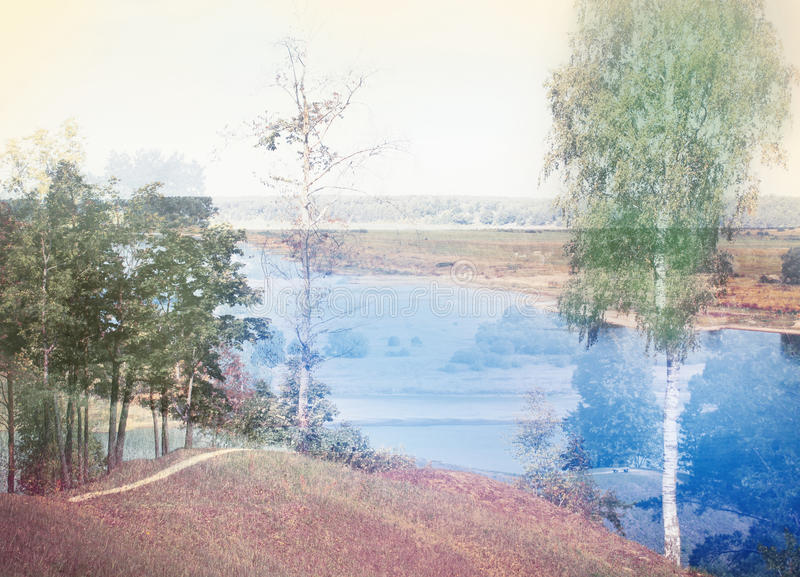 Dubbel blootstellingseffect van herfstbomen, rivier royalty-vrije stock foto