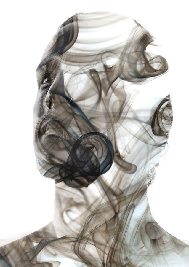 Dubbel blootstellingsportret van een sexy statueske mens met donkere prestatie royalty-vrije illustratie