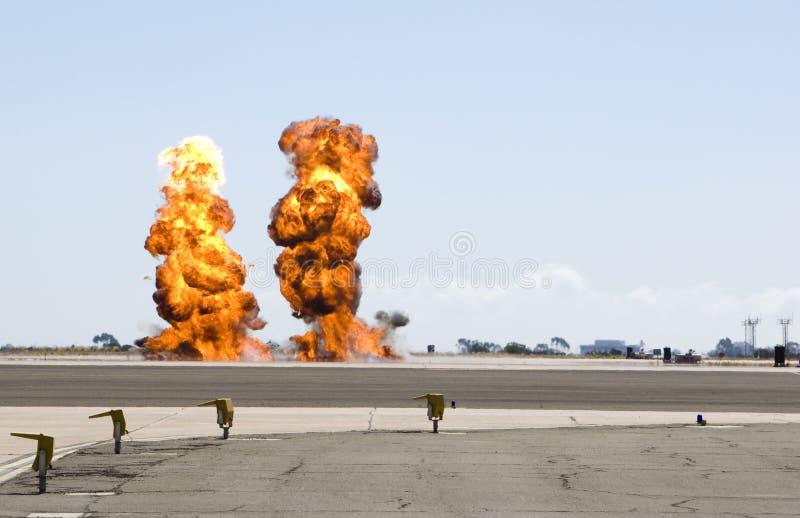 dubbel explosion royaltyfri bild