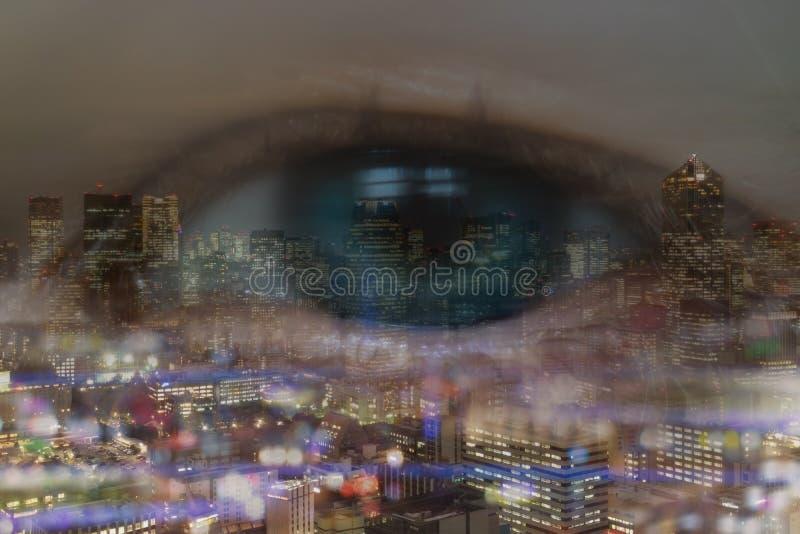 Dubbel exponering av affärsidéen, ho för blick för affärsögonman cityscapen eller landskapet i staden med bokehljus arkivbilder