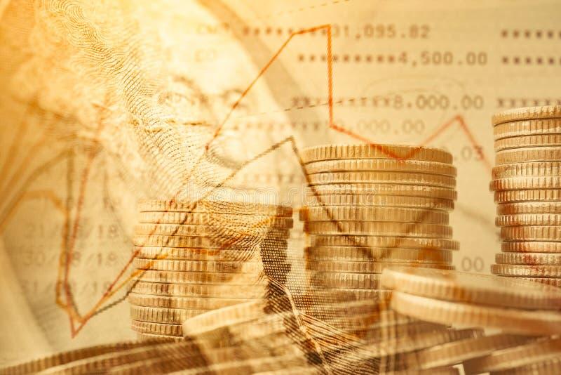 Dubbel exponering av mynt och dollarsedeln, affären och finansbakgrund royaltyfria foton