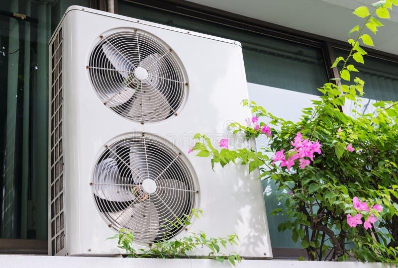 Dubbel ventilatorsysteem van de eenheid van de luchtcompressor royalty-vrije stock foto's