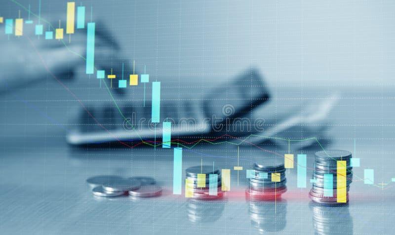 Dubbele blootstelling van financiële grafiekgrafiek en rijen van muntstukken met calculator voor financiën en bedrijfsconcept vector illustratie