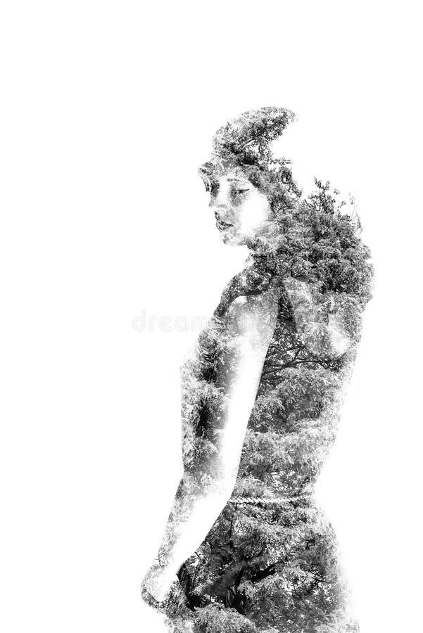 Dubbele blootstelling van mooi meisje en bladeren zwart-witte ima royalty-vrije illustratie