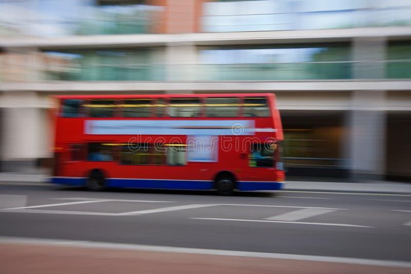 Download Dubbele dekbus stock foto. Afbeelding bestaande uit brits - 10783556