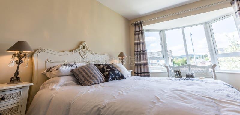 Download Dubbele slaapkamer stock afbeelding. Afbeelding bestaande uit ontwerp - 54078079