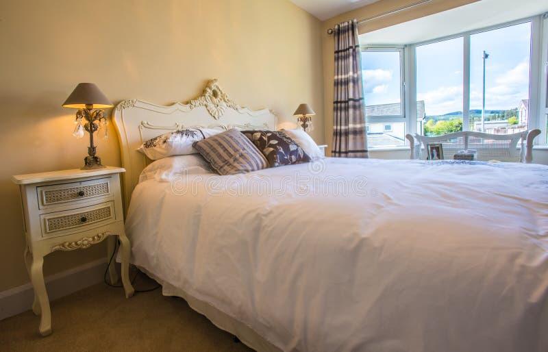 Download Dubbele slaapkamer stock foto. Afbeelding bestaande uit cooking - 54078088