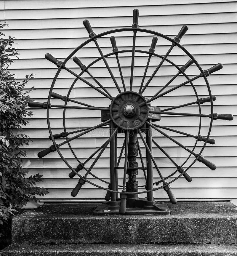 Dubbla hjul för skepp` s arkivfoto