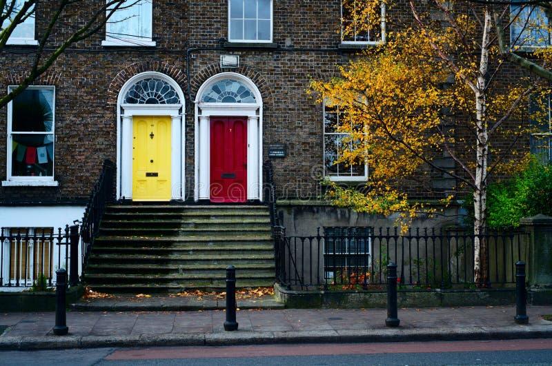 Dublin dörrar. Irland royaltyfri foto