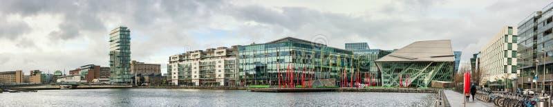 Dublin Docklands ou le silicium moderne s'accouple, image panoramique photo stock