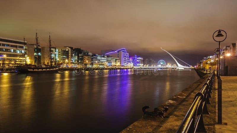 Dublin em Noite foto de stock