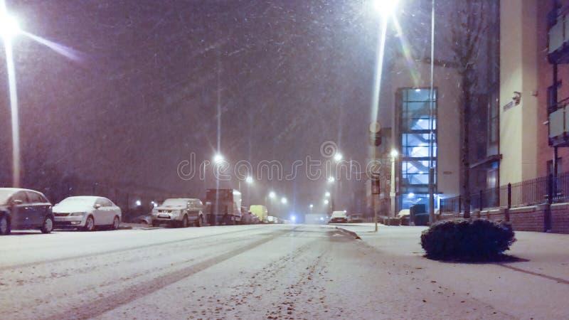 Dublin, Ierland die - in de avond sneeuwen royalty-vrije stock afbeeldingen