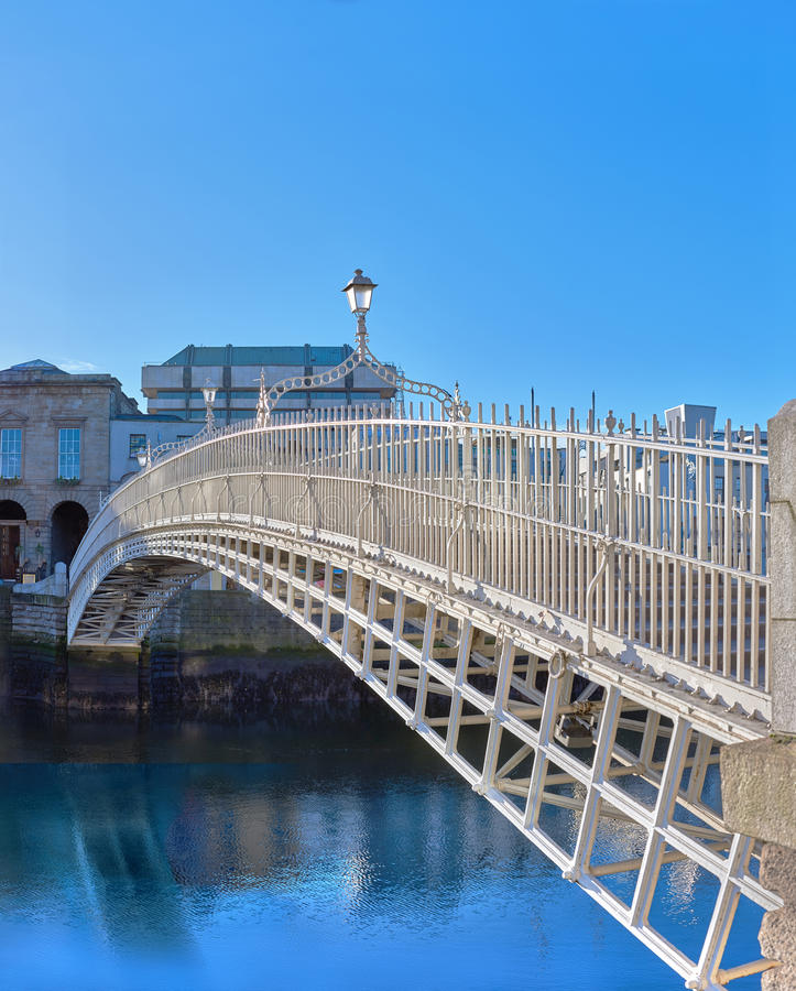 Dublin, image panoramique de demi pont de penny photos stock