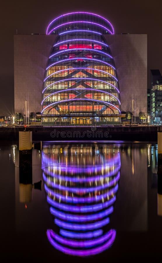 Dublin Ireland River Liffey nachts lizenzfreies stockfoto