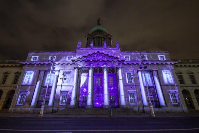 Dublin, Irlandia, 30 Styczeń 2016 OBYCZAJOWY dom Świateł przedstawienia, nowego roku festiwal zdjęcia stock