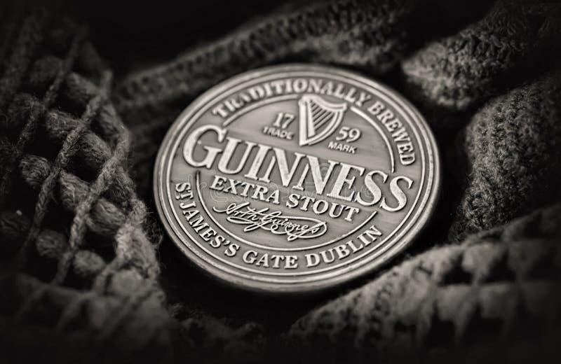 Dublin Nov 23 2017: Superior irlandés negro famoso de la botella originado adentro imagen de archivo